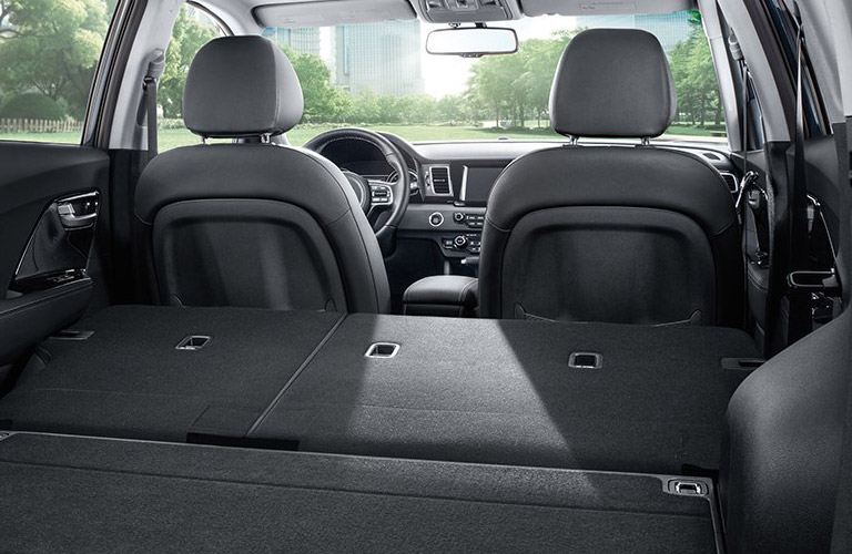 Kia Niro Interior >> 2017 Kia Niro Interior Volume And Convenience Features